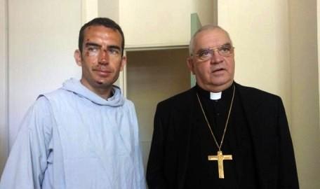 Padre Gregorio con l'arcivescovo Cattenoz