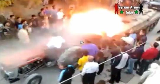Siria: estremisti islamici non sanno usare carro armato, parte colpo e uccide uno dei loro – VIDEO