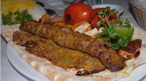"Sindaco distribuisce ""buoni kebab"" ai profughi: a spese contribuenti"