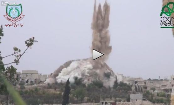 Terroristi islamici devastano paesino con 'tunnel bomb' occidentali – VIDEO
