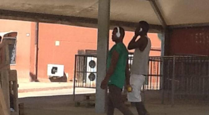 Salvini ispeziona villaggio di lusso per immigrati: le foto della vergogna