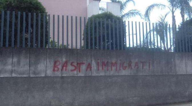 Siracusa: locali assaltano 'hotel dei profughi'
