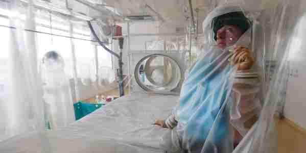 Ebola: casa infermiere 'decontaminata', con 11 giorni di ritardo