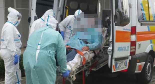 Allarme Ebola a Genova: africano in isolamento, medici in tuta