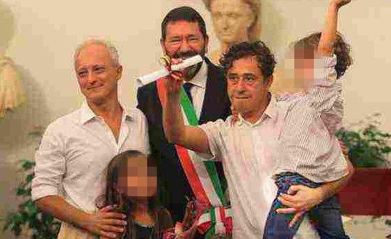 """""""Sciogliere Comune Roma per Mafia"""""""