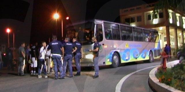 Crotone: sale tensione dopo proteste immigrati – VIDEO