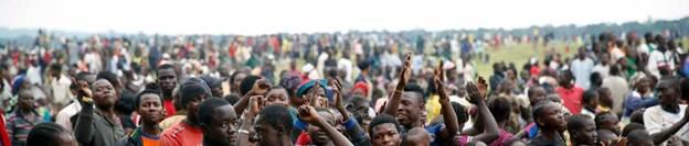 Immigrati protestano per 'accoglienza insoddisfacente' – VIDEO