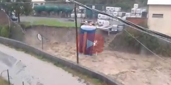 Liguria: torrente travolge autocisterna – VIDEO CHOC