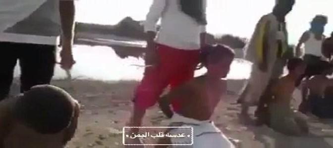 Bimbi islamici si addestrano a sgozzare bimbi cristiani – VIDEO