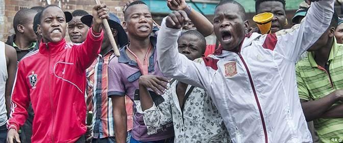 PIACENZA: BENGALESI NON SOPPORTANO AFRICANI, SCONTRI ETNICI TRA PROFUGHI IN HOTEL