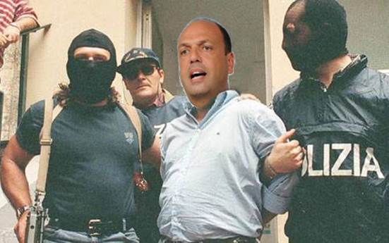 """Scafisti chiedono """"scusa"""", magistrati riducono pena"""