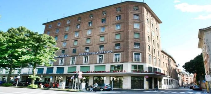 Ferrara: 14 'profughi' in condominio di lusso con hotel a 4 stelle