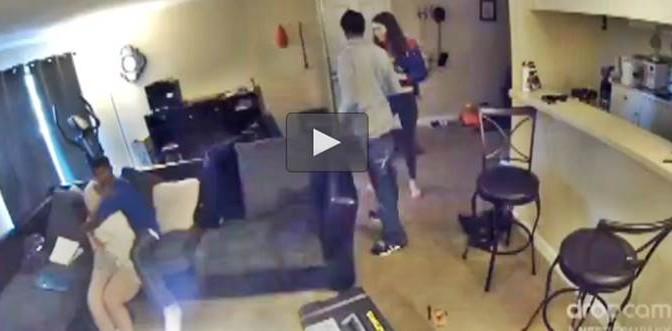 Terrore per 21enne, quando due neri le irrompono in casa – VIDEO
