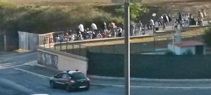 """Profughi: """"Alloggi non ci soddisfano"""", in marcia verso Piacenza"""
