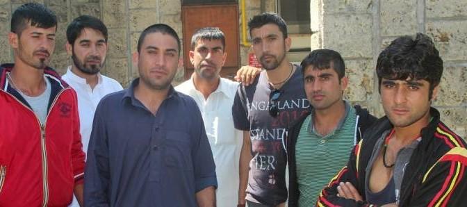 """Profughi pakistani protestano: """"Vogliamo portiere di notte per il Ramadan"""""""