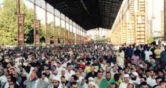 Torino, Appendino vuole una città a misura di Sharia: ospedali 'halal'
