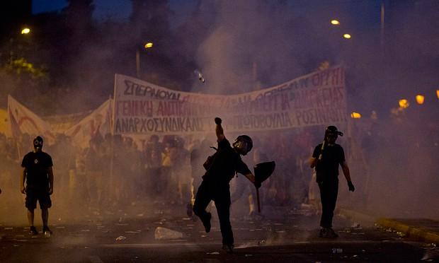 """FARAGE: """"Se fossi greco, sarei per le strade"""""""