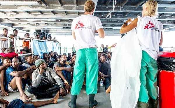 Medici Senza Frontiere scarica a Ragusa 218 africani: Scabbia a bordo