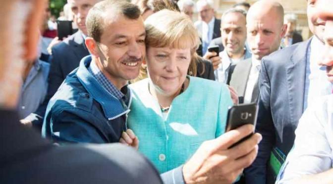 """Venti profughi denunciano Mama Merkel: """"Stipendio ritarda"""""""