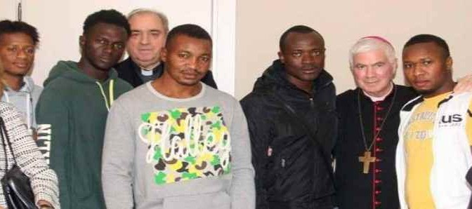 """Vescovo dei profughi: """"Ho presentato io Marra a Roma"""""""