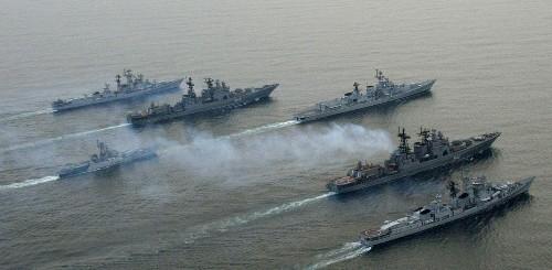 """Nave russa sfiora coste turche con """"missili pronti al lancio"""""""