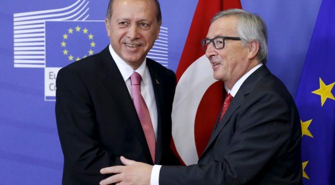 "Le Pen: ""Venduti alla Turchia"""