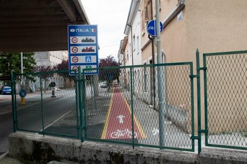 Austria rimanda in Italia 10 clandestini all'ora: biglietto lo paghiamo noi