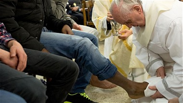La pagliacciata islamica del kamikaze Bergoglio