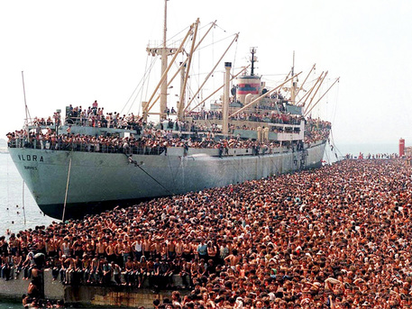 25 anni fa, iniziava l'invasione albanese