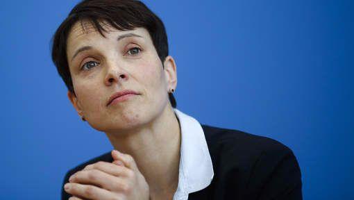 """""""Strage Berlino è omicidio colposo Merkel"""""""