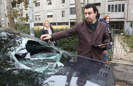 Distrusse auto Salvini: libero anche dai domiciliari