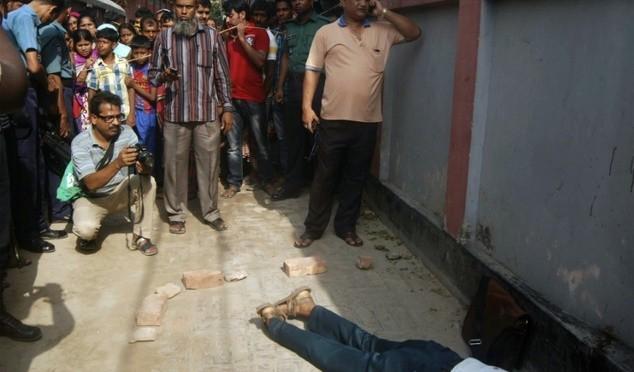 Professore di inglese decapitato in Bangladesh