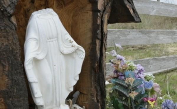 Dilaga la cristianofobia, decapitata madonna a Ventimiglia
