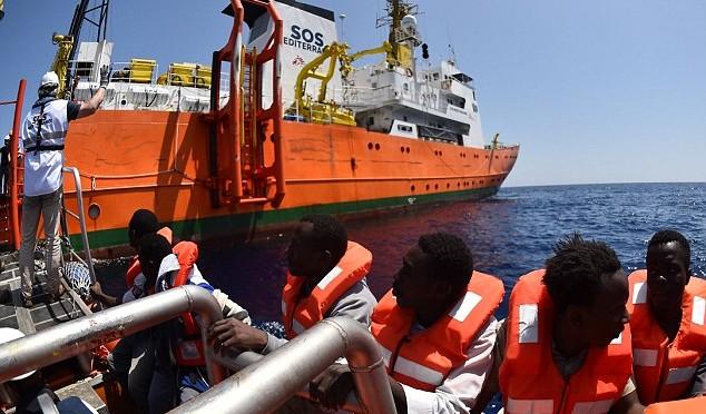 ALLARME: NAVI SCAFISTI UMANITARI A TUTTA FORZA VERSO LIBIA