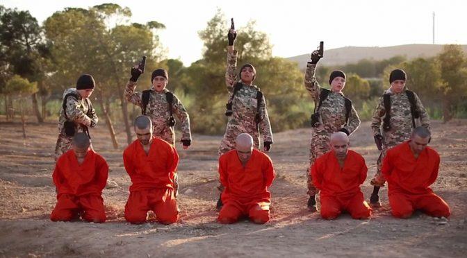 BAMBINI ISLAMICI GIUSTIZIANO PRIGIONIERI – VIDEO CHOC