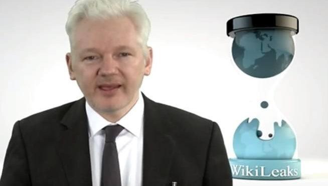 Assange, dopo Clinton toccherà a Merkel: in arrivo rivelazioni
