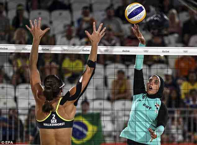 volley36FC228000000578-0-image-a-3_1470641637579