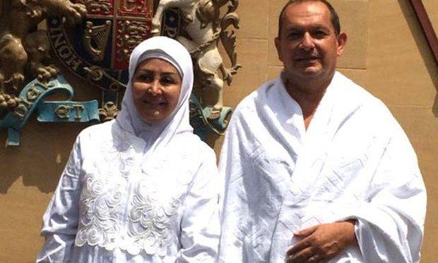 Ambasciatore britannico in Arabia si converte all'Islam