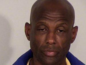 Arrestato per molestie si masturba in ufficio polizia