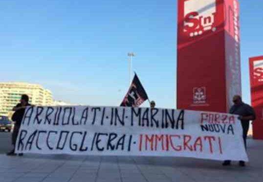 """Arruolati in Marina, raccatterai immigrati"""