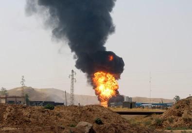 MILIZIANI ISIS SI CONFONDONO TRA PROFUGHI E ATTACCANO KIRKUK – VIDEO – FOTO