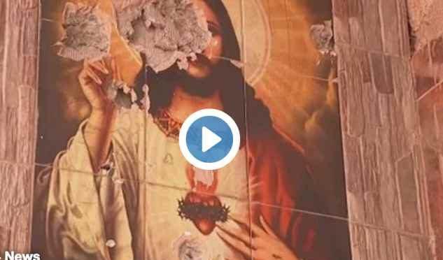 Islamici vandalizzano chiesa a Mosul – VIDEO