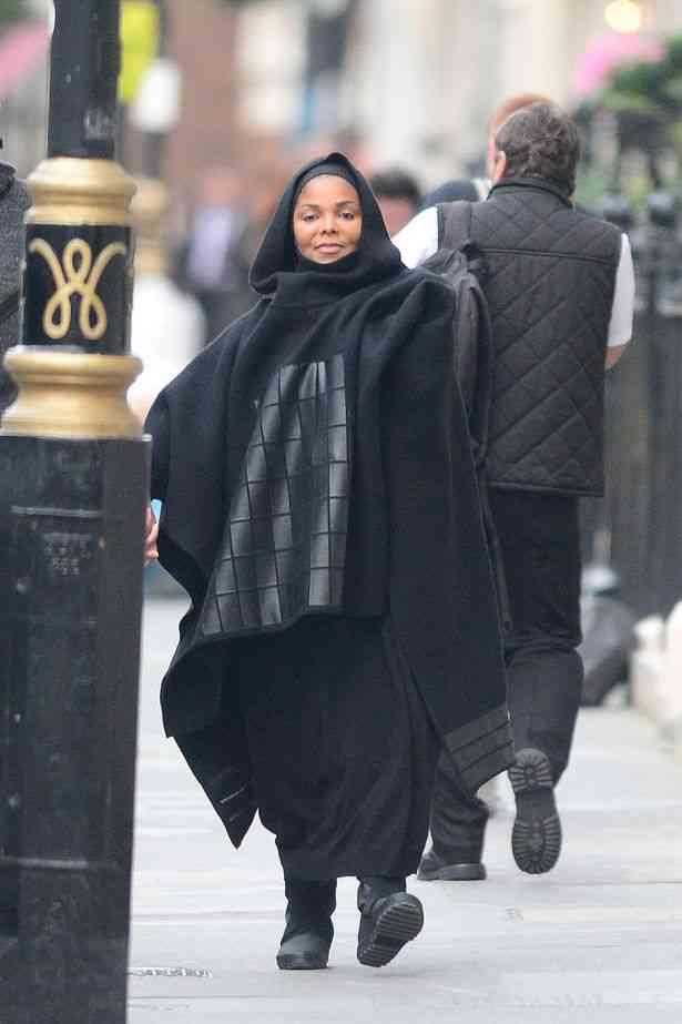 jackson-burqapay-heavily-pregnant-janet-jackson-4