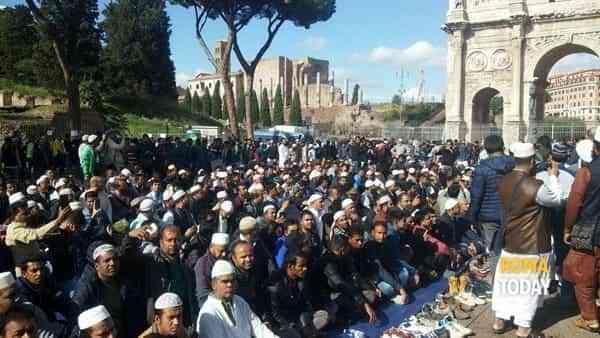 Roma colonizzata da Bengalesi islamici, e ne sbarcano migliaia ogni giorno – VIDEO
