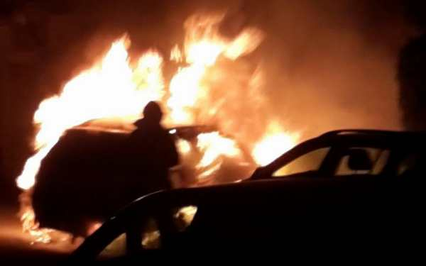 incendio-auto-via-asiago-1