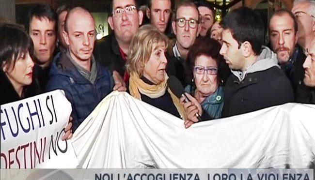 PROFUGHI SCATENATI, ONDATA MOLESTIE IN PAESINO – VIDEO