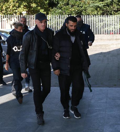 Gaffur Dibrani, l'uomo kosovaro di 24 anni arrestato a Brescia con l'accusa di apologia di terrorismo, 3 novembre 2016