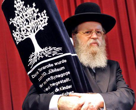"""Rabbino: """"Gay disgustosi, la Bibbia prevede pena di morte"""""""