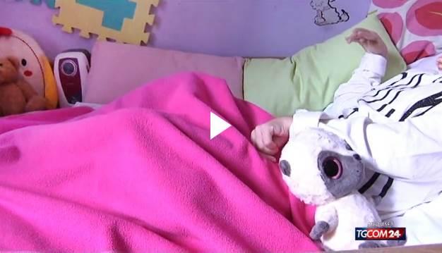 Raggi va avanti, sarà sfrattata bimba italiana paralizzata