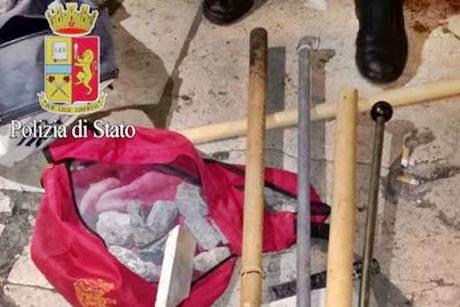 ROMA: CENTRO SOCIALE MACCHIA ROSSA E' UN COVO DI TERRORISTI – FOTO